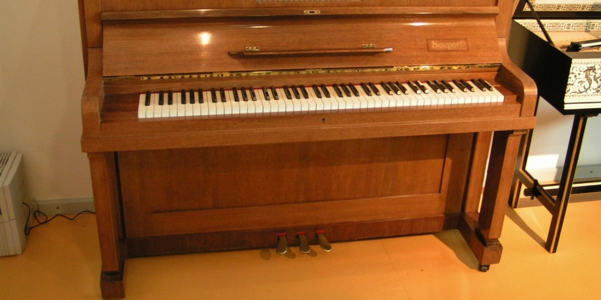 7 Best Upright Pianos (Must Read Reviews) For August 2020